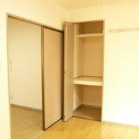 キッチン横洋室 収納
