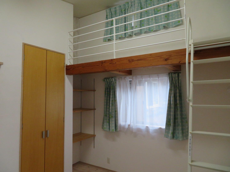 2階 南側洋室